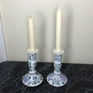 Vintage Accents - Vintage shabby chic candlesticks